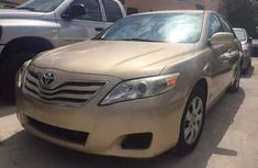 TOYOTA CAMRY IN GOOD CONDITION 2008 GOLD FOR SALE
