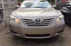 Clean Toyota Camry for sell 2007 model gold