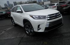 2018 Toyota Highlander Hybrid  White for sale