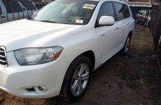 Toyota Highlander 2010 Petrol Automatic White for sale