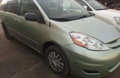 Almost brand new Toyota Sienna Petrol 2006 for sale