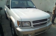 Tokunbo Isuzu Trooper 2001 White for sale