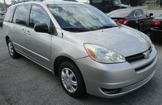 Foreign used Toyota Sienna 2004 for sale