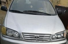 Neat used Toyota Picnic 2000 FOR SALE