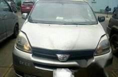 Toyota Sienna XLE 2004 Gold for sale