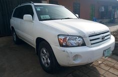 Toyota Highlander 2006 Petrol Automatic White for sale