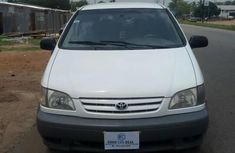 Clean Toyota Sienna 2001 White for sale