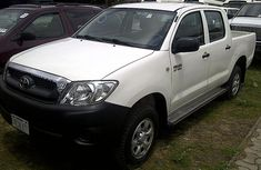 Clean Shell Company Used 2008 Toyota Hilux white for sale