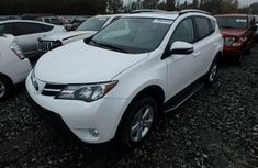CLEAN 2014 TOYOTA RAV4 WHITE FOR SALE