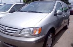 Toyota Sienna 2002 Automatic Petrol ₦2,000,000 for sale