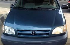 Tokunbo Toyota Sienna 2003 Blue for sale