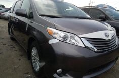 2011 Toyota Sienna Petrol Automatic for sale