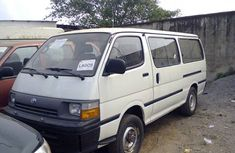 Toyota Hiace bus 2004 white for sale