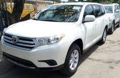 Toyota Highlander 2012 Automatic Petrol ₦7,500,000 for sale