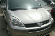 Foreign used 2006 Toyota Sienna FOR SALE