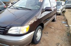 2002 Toyota Sienna Automatic Petrol well maintained for sale
