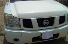 Nissan Titan 2005 White for sale