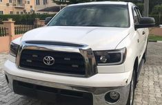 Toyota Tundra 2010 White for sale