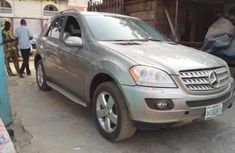 Almost brand new Mercedes-Benz ML 500 Petrol 2010 for sale