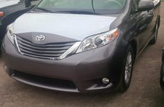 Foreign used Toyota Sienna 2012 for sale