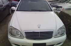 Well kept 2005 Mercedes Benz S-350 for sale