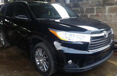 Almost brand new Toyota Highlander Petrol 2016 for sale