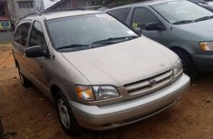 DIRECT TOKUNBO TOYOTA SIENNA 2000 FOR SALE