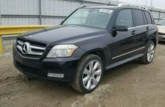 Clean direct 2011 Mercedes Benz Glk350 for SALE.
