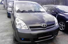 2005 Toyota Verso Automatic Petrol well maintained for sale