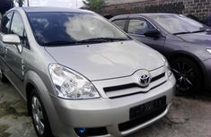 Almost brand new Toyota Verso Petrol 2005 for sale