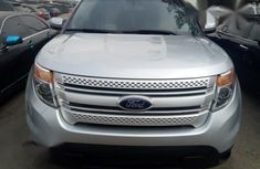 CLEAN 2010 SILVER FORD ESCAPE FOR SALE