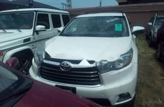 2016 Toyota Highlander Automatic Petrol well maintained for sale