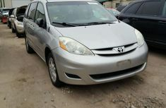 Well maintained 2006 Toyota Sienna for sale