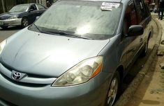 Used Toyota Sienna 2009 Blue for sale
