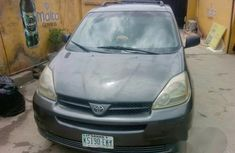 Toyota Sienna LE 2004 Gray FOR SALE