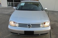 Neat Volkswagen Golf 3 2003 model for sale