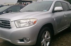 A neat tokunbo Toyota Highlander limited 2009 for sale