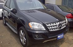 2010 Model Mercedes Benz Ml350 4matic. FOR SALE