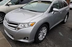 2010 Sparkling clean Toyota Venza for sale