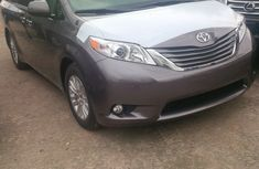 Foreign used Toyota Sienna 2011 FOR SALE