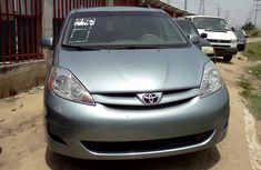 Foreign used Toyota Sienna 2006 Green for sale