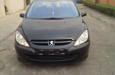 Neat Tokunbo Peugeot 307 2002 Model black for sale