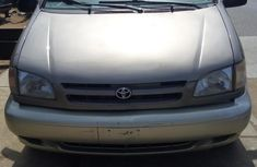 Toyota Sienna XLE 2000 Gray for sale