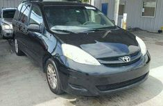Clean Toyota Sienna 2014  for sale