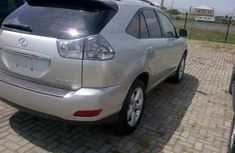 Tokunbo Lexus Rx330 2004 silver for sale