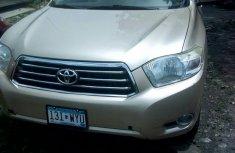Toyota Highlander 2010 Gold FOR SALE