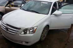 Toyota Avalon 2005 in good condition for sale
