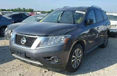 Nissan Pathfinder 2015 Grey for sale