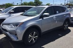 Supper Clean Toyota Rav4 2017 silver for sale