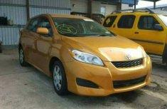 Toyota Matrix 2008 in good condition Orange for sale